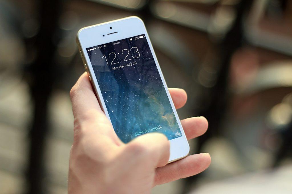 smartphone CE tracker
